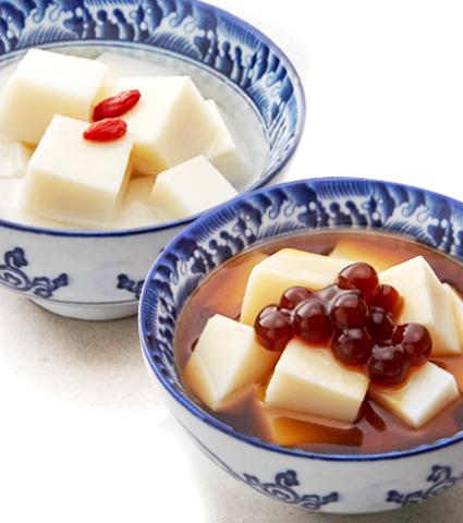 台湾スイーツの定番「杏仁豆腐」がデビューの写真